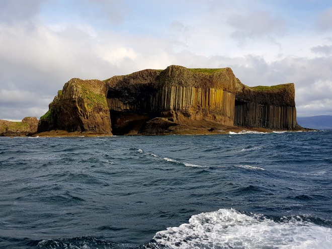 ile-de-staffa-the-bergamote-blog2